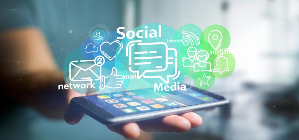 social media per relazionarsi con altre persone
